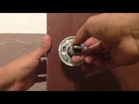 como cambiar pomo redondo puerta