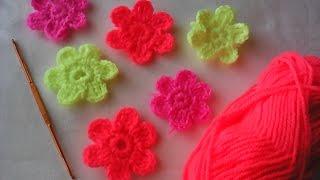 Вязаные цветочки крючком видео урок.(Вязание крючком.Цветы для начинающих. Цветочки можно пришить или собрать из ник плед детский. главное как..., 2017-01-25T14:30:25.000Z)