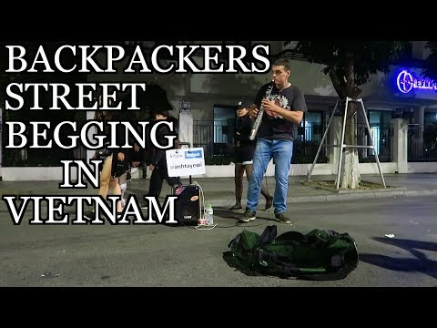 Backpackers Panhandling in Hanoi Vietnam - Hoàn Kiếm Lake Night Life Tour Vlog