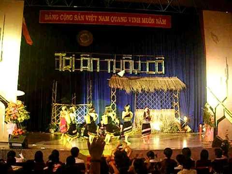 Chiều lên bản thượng ^_^ K13 Du lịch_Văn Lang
