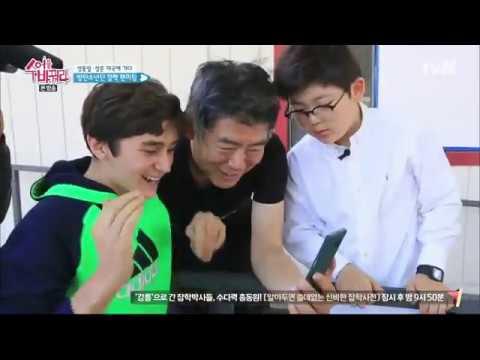BTS Taehyung Cute reaction fanboy singed his line in Boy in Luv