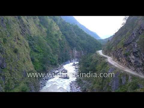 Driving to Gangotri