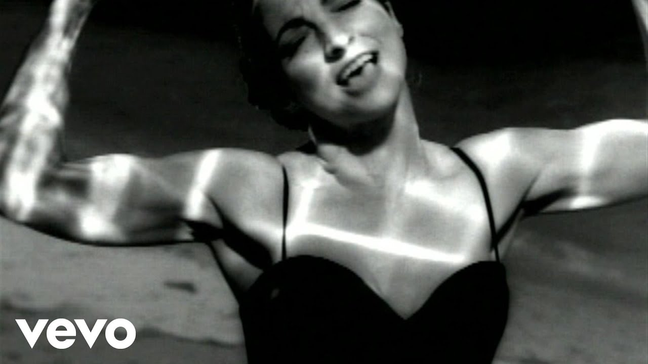 Download Gloria Estefan - Reach (Vogue Version)