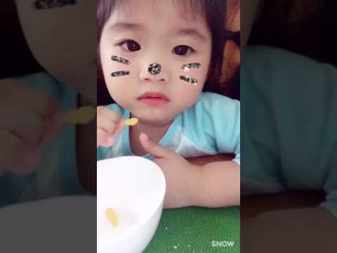 Em bé dễ thương nhất quả đất