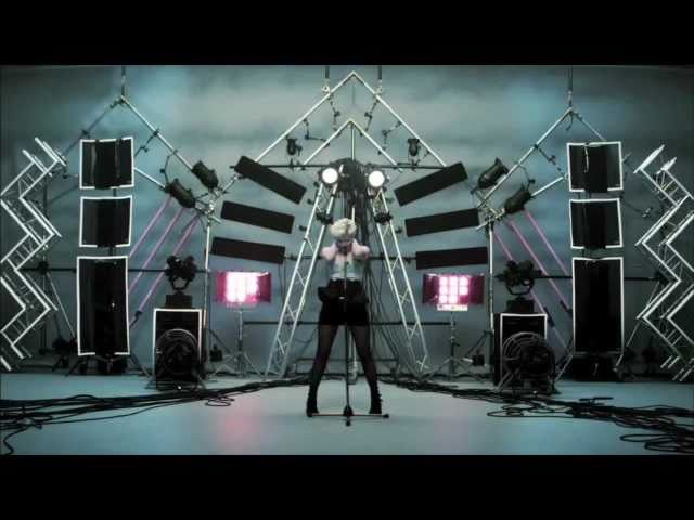 Robyn - Dancing On My Own (Fred Falke remix w/video)