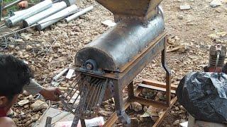 Gambar cover Ngintip Proses Pembuatan Mesin Mini Perontok Jagung