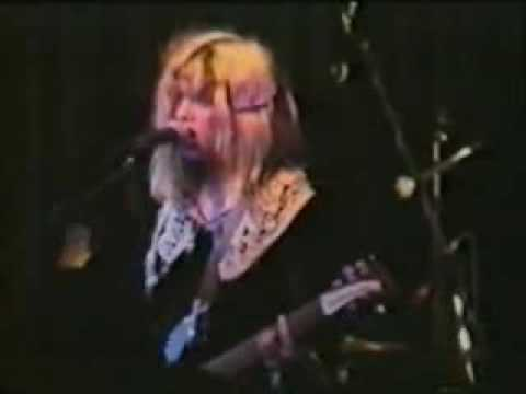 Babes in Toyland - Vomit Heart - live London 1990