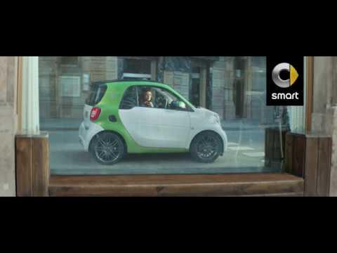 """Mercedes-Benz España: Spot 20"""" Electric Love # smartlovers"""