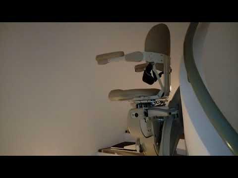 Lift kursi, lift tangga (chair lift/stair lift) bagi lansia, difabel dll untuk rumah tinggal