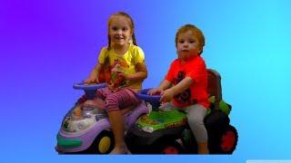Обзор / Каталка для детей / Машинка толокары Динозаврик