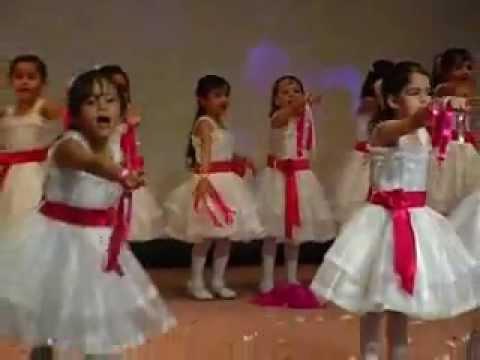 f6ffe25c3  احلى واجمل حفل في مدرسة الطموح الخاصة Graduation day. براءة الأطفال ومتعة  الغناء والرقص - YouTube