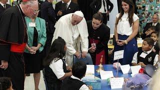 ĐTC khuyến khích các học sinh trường Nữ vương các Thiên Thần : 'hãy ước mơ'