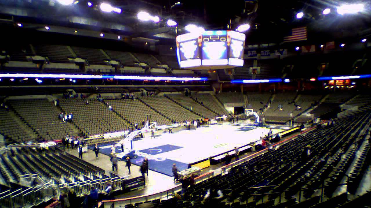 Centurylink Center Omaha Floor Change Over From Basketball To Hockey Youtube