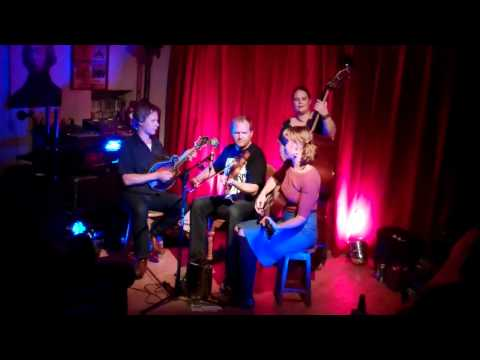 Foghorn Stringband -- Drunkard's Dream