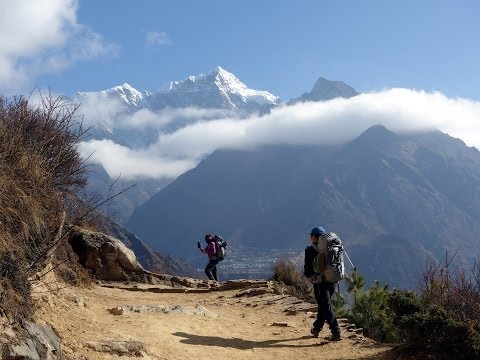 Namche Bazaar and the trail to Tengboche