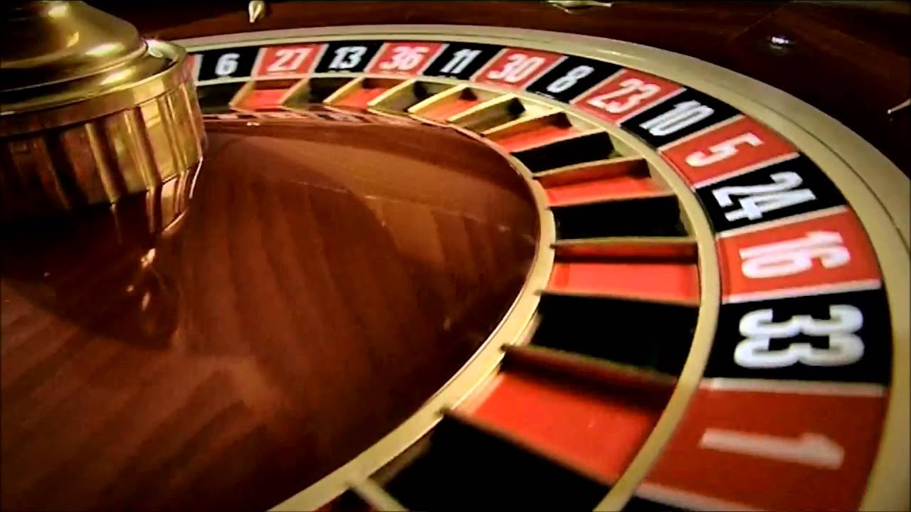 Stock video spinning roulette table hq youtube - Table tv a roulettes ...