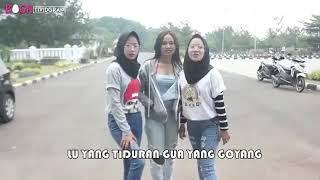 Video Lu yang ngocok gua yang pegel😁 download MP3, 3GP, MP4, WEBM, AVI, FLV Oktober 2018