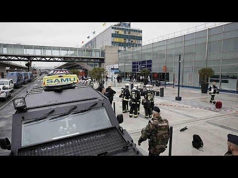France : l'homme abattu à Orly s'était apparemment radicalisé