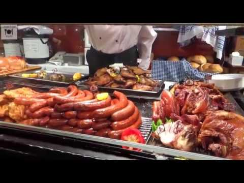 A Glimpse Of Hungarian Street Food   Christmas Scene In Hungary