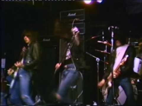 Ramones - Beat On The Brat - CBGB 10/6/77