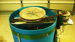 Homemade honey extractor. A beekeepers review - heavy duty four frame beekeeping honey spinner