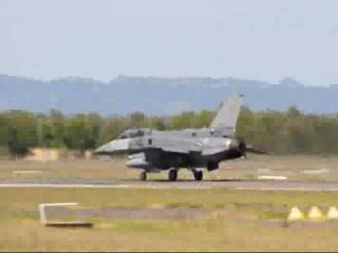 Singapore Air Force (RSAF) General Dynamics F-16D+ fighter ...