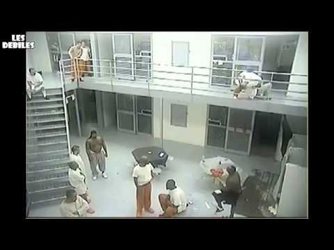 Đánh nhau trong tù