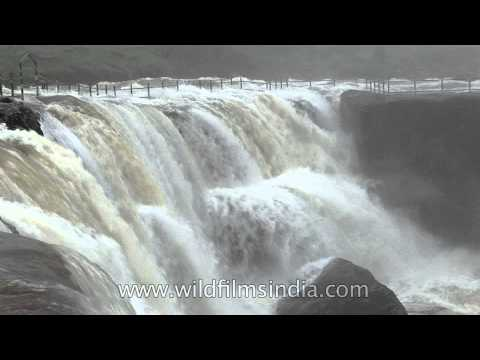 Cherrapunji - fog abounds around falls