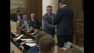 Вручение удостоверения депутата Ивану Коневу