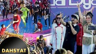 Gambar cover Host Dahsyat Terjatuh ketika Tipe X Membawakan Lagu Genit [Dahsyat] [17 Agustus 2016]
