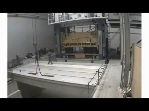 ZANI 2000 Tonnen Motion Master Presse Aufbau (Zeitraffer)