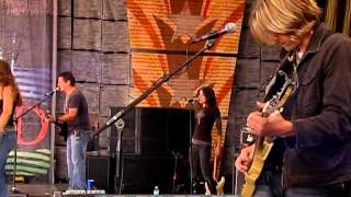 Gretchen Wilson - Here For The Party (Live at Farm Aid 2009)