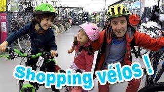 VLOG - SHOPPING vélos pour la famille Démo Jouets ! Quel sera le choix d'Amantine ?