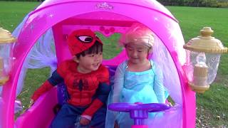 Elsa & Spiderman Riding Disney Princess Carriage Powerwheel at the Playground