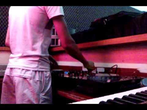 TRUNG TAM DAO TAO DJ CHUYEN NGHIEP T2 STUDIO 2011, DAY HOC DJ, DAO TAO DJ TAI HA NOI