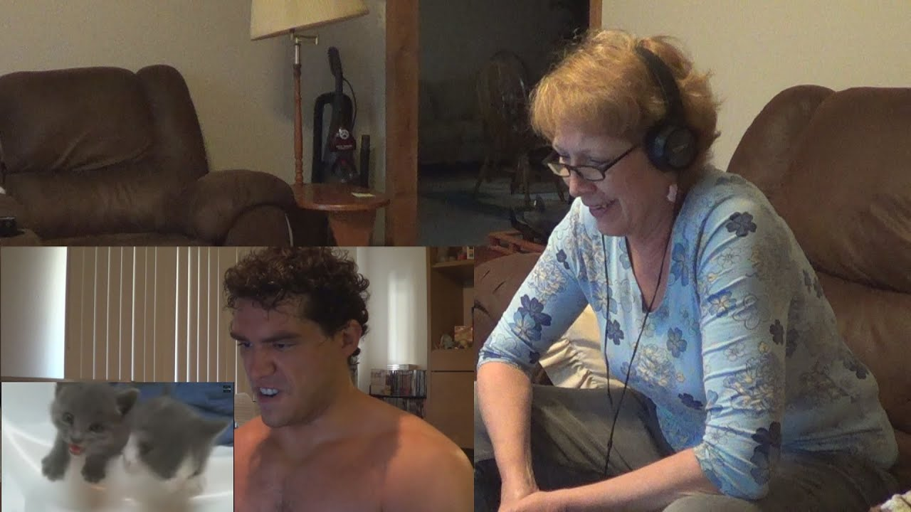 My mom likes to watch me masturbate