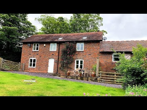 Bryn Howell Stables, Llangollen - Holiday Cottage Tour & Review