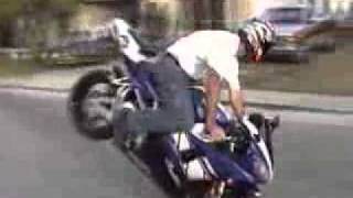 YouTube - مهارات الدراجات الناريه.flv