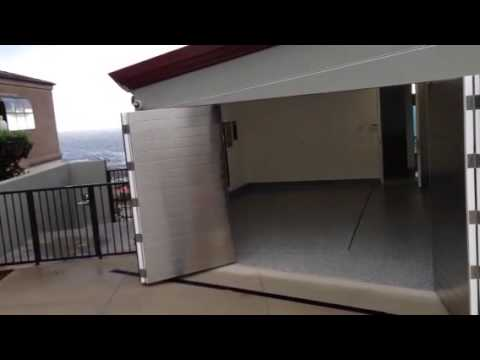 Gt5000s Automatic Bi Fold Garage Door Youtube