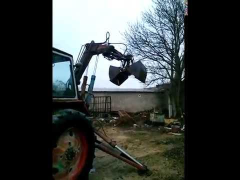 Начну пожалуй со своего юмз-6 грейферный погрузчик. Купил его в ужасном состоянии, откапиталил ему движок посадил на него. Экскаватор грейферный пэ-ф-1а на базе трактора юмз-6л год выпуска 75.
