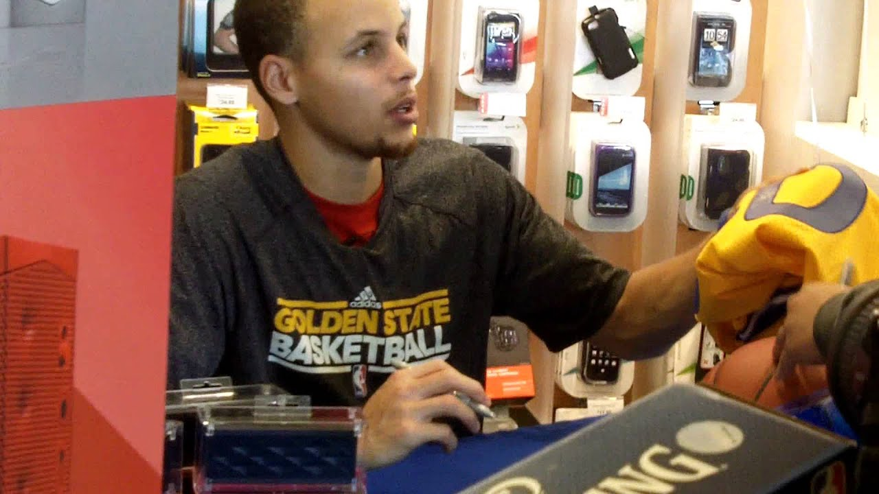 7f0e2d1d5 Warriors- Stephen Curry Autograph Signing Appearance at Sprint Store ...