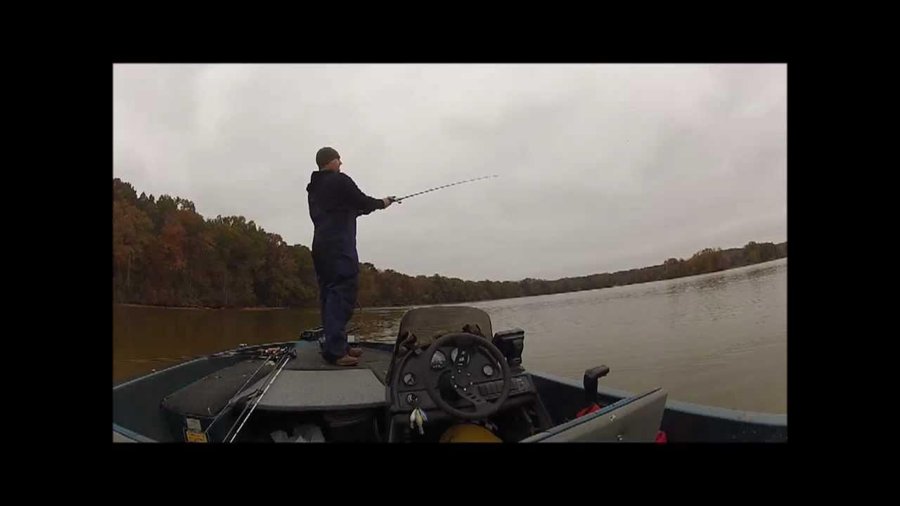 Fall bass fishing wheeler lake youtube for Wheeler lake fishing report
