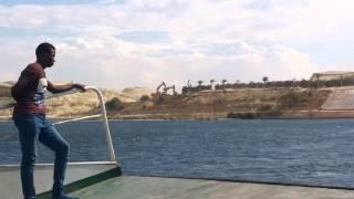 قناة السويس الجديدة : مشهد للحفر 2أكتوبر 2014وأزالة جسر قناة السويس بنمرة 6