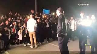 Download Video Zlatan Ibrahimovic accueillie comme une rock star au Los Angeles Galaxie MP3 3GP MP4