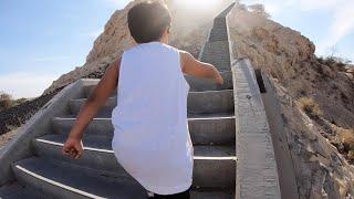 Atividade Física Infantil - Kai Sobe Escadaria Gigante