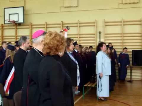 Ksiądz Biskup Marian Duś w Gimnazjum w Belsku Duży...