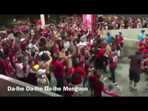 Torcida do Flamengo canta
