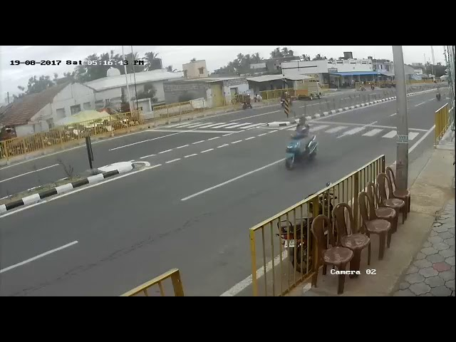 Viral video : Live accident in mohanur