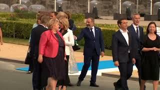 Юнкер напился на саммите НАТО