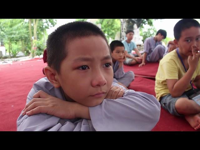Khóa tu mùa hè chùa Thiên Hương năm 2018 T.Sỹ Nguyễn Thành Nhân nói chuyện với khóa sinh